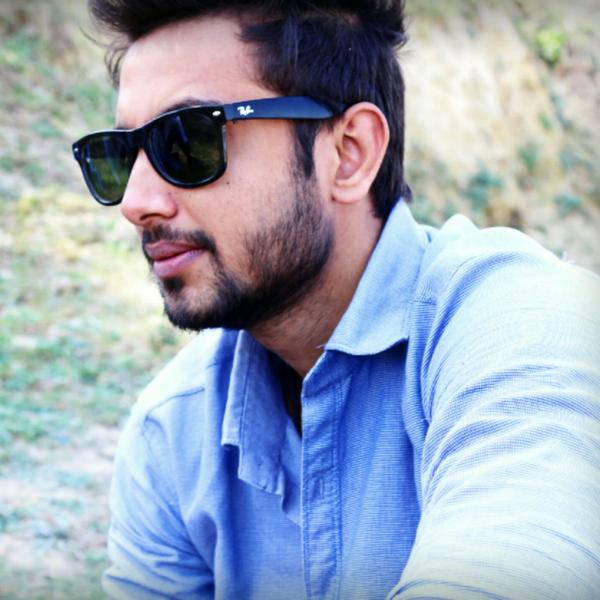 raj hashmiのユーザーアイコン