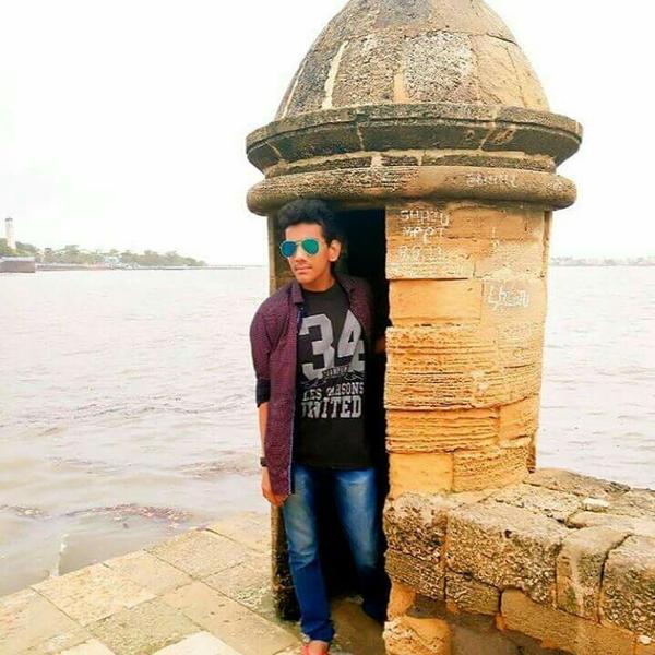 Shri Jadhavのユーザーアイコン