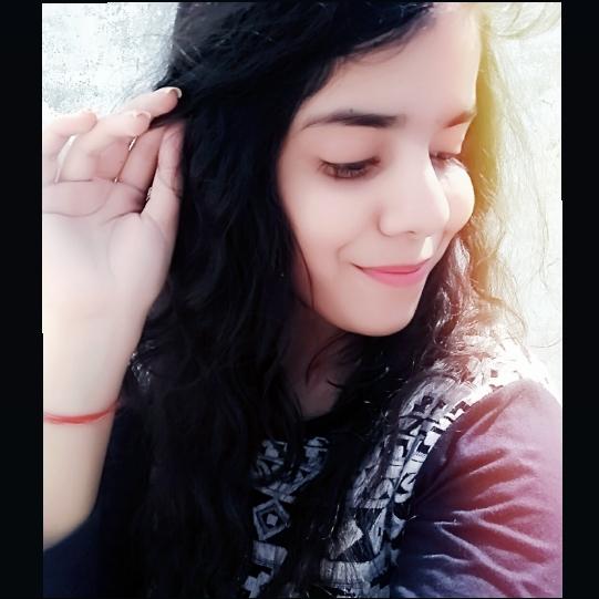 💕vartika mishra {Aadeez}💕のユーザーアイコン