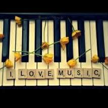 花  ピアノ伴奏 (コラボ大歓迎♫)のユーザーアイコン