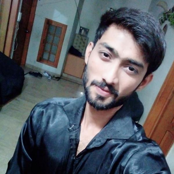 Usama khanのユーザーアイコン