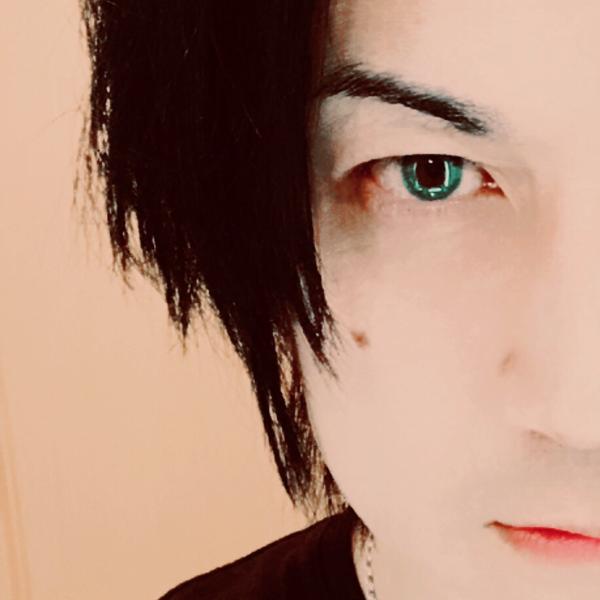 tomo 【B'z/GLAY/X JAPAN/Mr.Children/Acid Black Cherryなど歌ってます】のユーザーアイコン