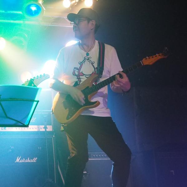 ちゃんみー ギター弾く人 超低浮上のユーザーアイコン